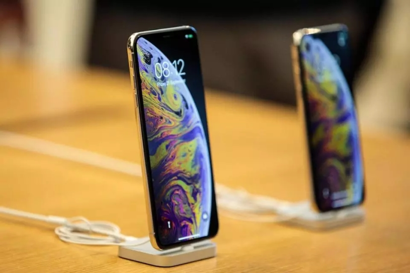 Another Analyst Predicts Apple To Cut iPhone Production In 2Q 2019
