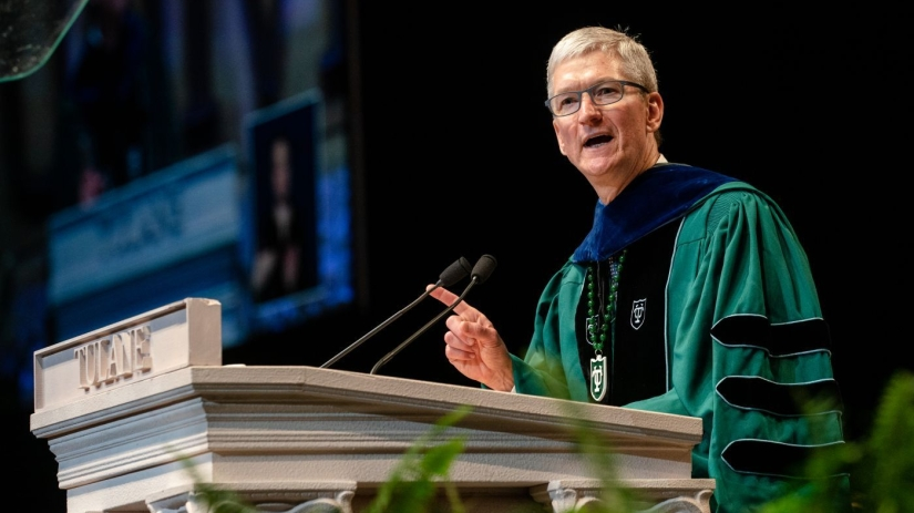 Apple CEO Tim Cook Gives Speech at Yesterday's Commencement atTulane