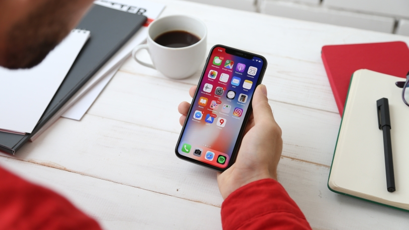 Apple is no longer signing iOS 12.2 after 12.3release